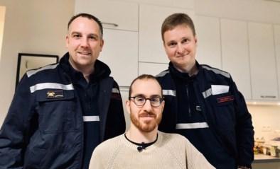 """Xander (28) ontmoet de brandweermannen die 10 jaar geleden zijn leven redden: """"Eindelijk weet ik wat er toen echt gebeurd is"""""""