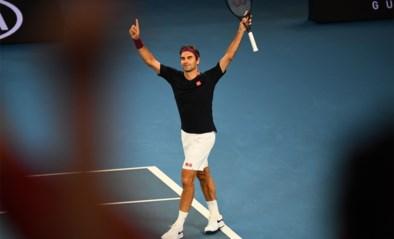 """Alweer een record voor 38-jarige Roger Federer, die als enige tennisser twee keer in 'century club' staat: """"Hoe oud ik ben? Oud"""""""