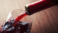 Ongelukje bij wijngaard: 250.000 flessen rode wijn belanden in rivier