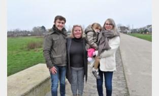 """Chabelli en haar mama Jessie organiseren wandeling voor baby Victor: """"Het is niet eerlijk dat loterij beslist over lot van een kind"""""""