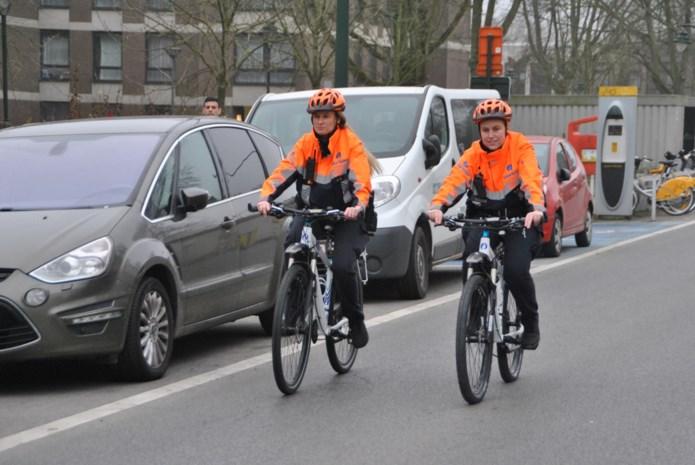 Niemand schrijft zoveel boetes uit, en toch zijn 'bikers' het populairst: fietsbrigade breidt uit naar uithoeken van hoofdstad