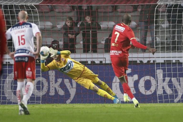 """Didier Lamkel Zé excuseert zich na strafschopincident: """"Hopelijk ben ik er nog bij voor de terugmatch"""""""