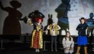 """Studenten lager onderwijs nemen leerlingen van Freinetschool mee op café en gaan samen naar bioscoop: """"Alice in Wonderland geeft de leerlingen opdrachten"""""""