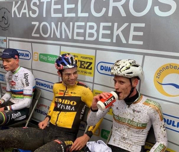 Wout van Aert maakt indruk in Zonnebeke maar de zege is voor Mathieu Van der Poel