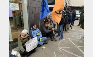 Na protest op Autosalon: klimaatactivisten viseren banken