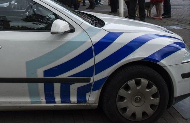 Politie moet traangas inzetten tegen antifascistische betogers in Charleroi