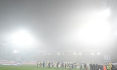 Laaghangende nevel verstoort duel tussen Charleroi en KV Mechelen: wedstrijd stilgelegd