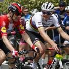 Ook wereldkampioen Mads Pedersen startte zijn seizoen in Australië.