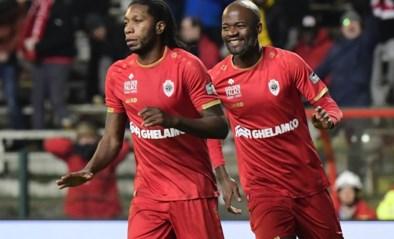 Antwerp is al dertien wedstrijden ongeslagen en blijft druk zetten op Club Brugge (dankzij een penalty zónder gedoe)