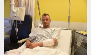"""Kris gewond aan de arm na incident aan sporthal: """"Aangevallen door twee jongeren"""""""