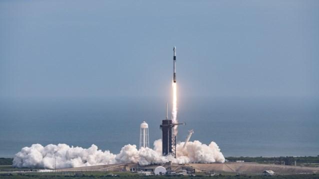 SpaceX wil maandag 60 satellieten tegelijk lanceren