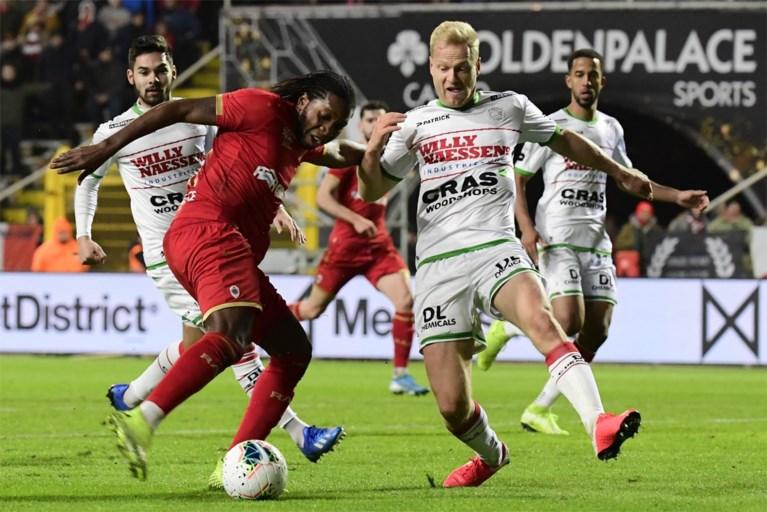 Antwerp blijft na zege tegen Zulte Waregem druk zetten op Club Brugge (dankzij een penalty zónder gedoe)