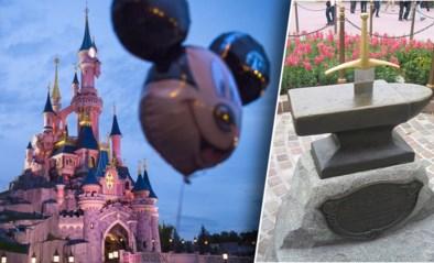 """""""Te sterke"""" Disneyland-bezoeker trekt zwaard Excalibur uit aambeeld"""