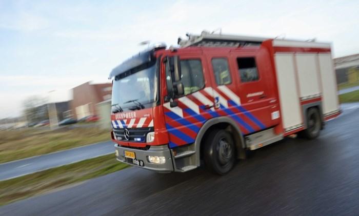 Auto's gaan in vlammen op in parkeergarage