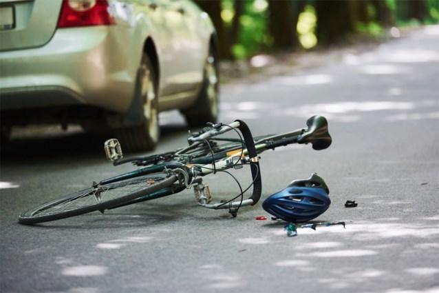 11-jarig fietsertje overleden na aanrijding door auto