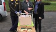 """Kristien Hemmerechts schenkt boeken van moeder (92) aan school: """"Haar intellectuele erfenis moet goed worden bewaard"""""""