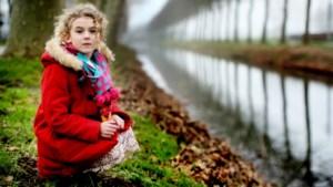 Zes jaar oud en al een eigen poëziebundel: Edaín is de jongste dichteres van Vlaanderen