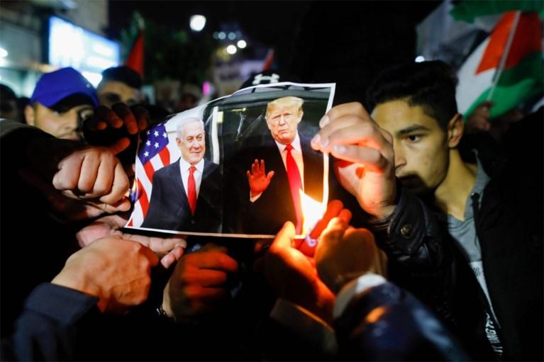 """Trump stelt vredesplan voor Midden-Oosten voor: """"realistische tweestatenoplossing"""" met tunnel tussen Gazastrook en Westelijke Jordaanoever"""