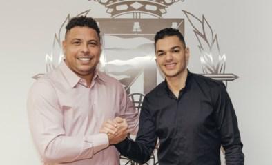 Hatem Ben Arfa tekent bij Real Valladolid… en mag meteen handjes schudden met een legende