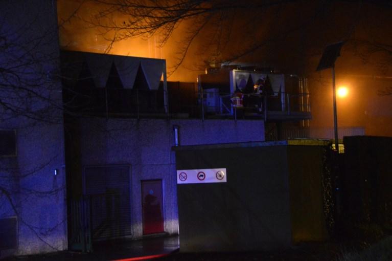 Veel schade door zware brand bij wanddecoratiebedrijf Grandeco