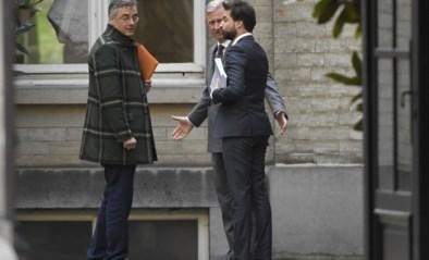 Het rapport van de informateurs: Bouchez en Coens zijn op alle vlakken gebuisd, en toch mogen ze voortdoen