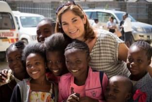 Sara leert Zambiaanse kinderen beter muziek spelen