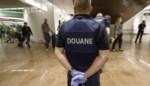 Vrees voor coronavirus: douaniers op Belgische luchthavens moeten mondmasker dragen