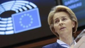 """Europees Parlement keurt Brexit-akkoord goed, Von der Leyen geeft Britten nog fikse waarschuwing mee: """"Willen goede vrienden blijven, maar onder voorwaarden"""""""