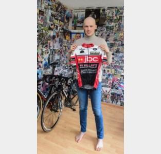 """Wielerbelofte Pieter (19) vecht tegen botkanker: """"Regelen jullie mijn tumor, dan regel ik mijn carrière"""""""