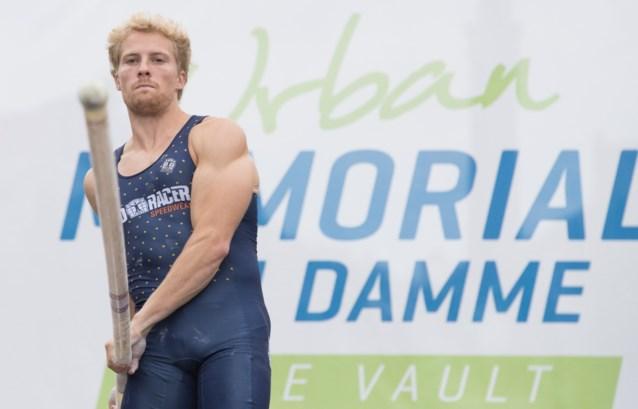 Ben Broeders stelt Belgisch indoorrecord polsstokspringen na 18 (!) jaar gevoelig bij