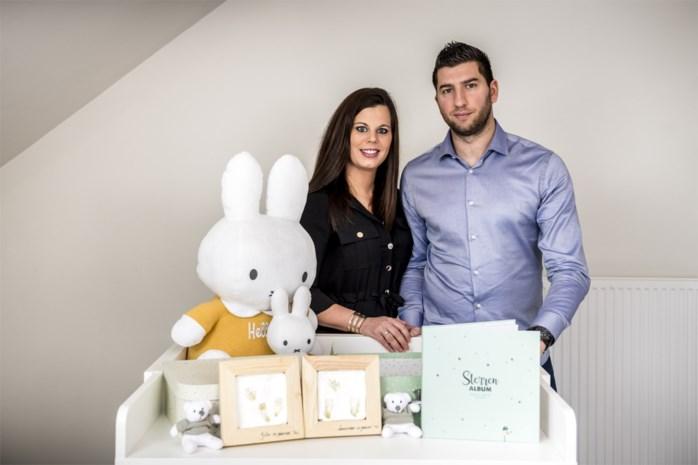 """""""Voor ons hebben ze geleefd, 22 weken lang"""": Ouders organiseren uitvaart voor tweeling die stierf na infectie in baarmoeder"""