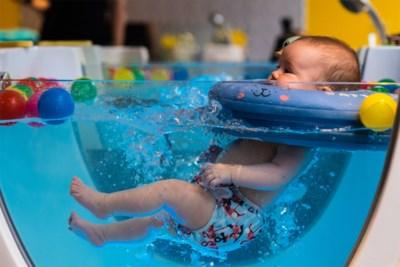 """Silvie (43) opent wellness voor baby's: """"Zo intensief dat baby slapend naar huis vertrekt"""""""