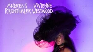 Naomi Campbell gaat naakt voor Vivienne Westwood