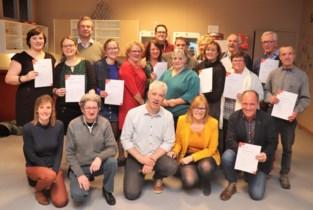 Veertien mensen geslaagd voor opleiding EHBO