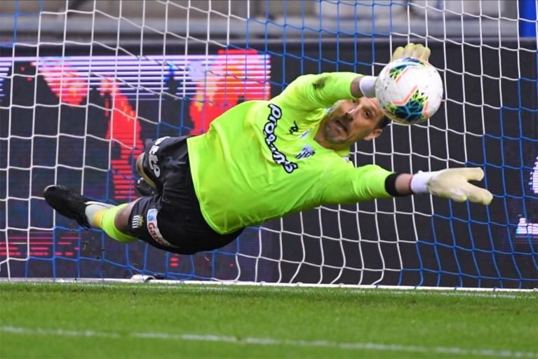 Genk pakt tegen Charleroi dankzij heerlijk hakje drie gouden punten in de strijd om Play-off 1-ticket