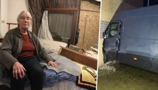 """Christiane (78) ontsnapt aan drama nadat bestelwagen slaapkamer binnenrijdt: """"Ik was net vijf minuten opgestaan"""""""