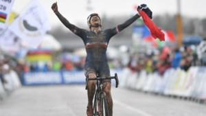 Ook Frankrijk heeft zijn wereldtitel: Marion Norbert-Riberolle met voorsprong de sterkste in de modder bij vrouwen beloften