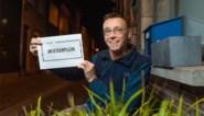 """Dominic (58) pleit in campagne voor vrouwelijke straatnamen voor 'Moederplein': """"Onze moeders verdienen een eigen straat"""""""