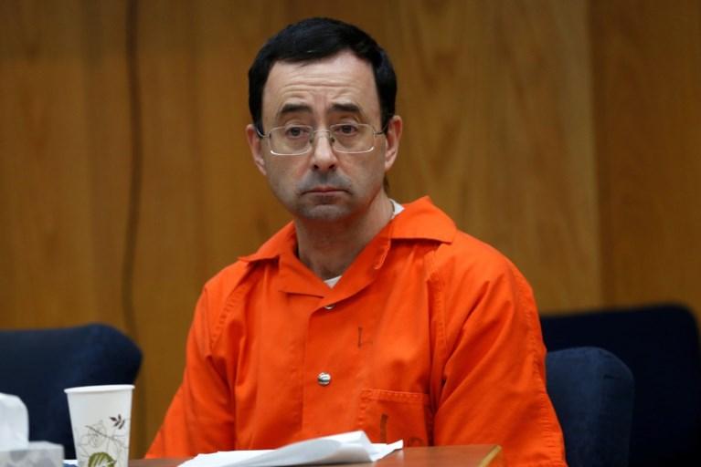 """Failliete Amerikaanse bond biedt misbruikte turnsters miljoenen, maar advocaat lacht voorstel weg: """"Gewetenloos"""""""