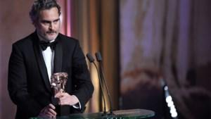 Joaquin Phoenix klaagt systematisch racisme in Hollywood aan. Zijn de belangrijkste filmprijzen ter wereld echt witter dan wit?
