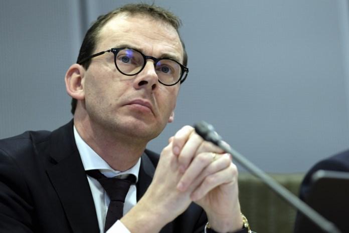 Wouter Beke onder vuur en daar zal niet snel verandering in komen: wat is er aan de hand met de minister van Nooit Genoeg?