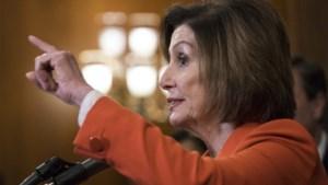 """Democrate Nancy Pelosi: Trump blijft """"een bedreiging voor de democratie"""""""