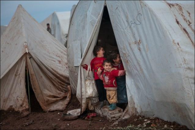 """VN: """"Half miljoen vluchtelingen uit noordwesten van Syrië in twee maanden"""""""