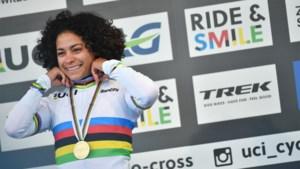 """""""Het godsgeschenk van de cross"""": waarom de nieuwe wereldkampioene Ceylin del Carmen Alvarado een rolmodel wil zijn"""