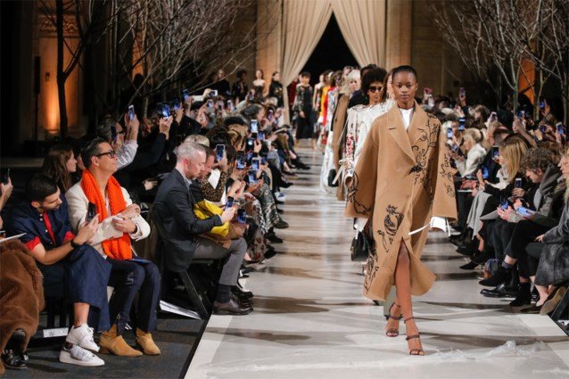Op de eerste rij zitten tijdens de modeweken? Het kan op YouTube