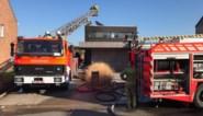 Zonnepaneel op plat dak begint te branden: woning gevrijwaard