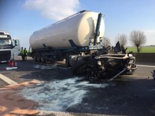 Snelweg uren dicht aan Franse grens na botsing tussen tankwagen en vrachtwagens