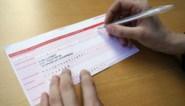 Papieren overschrijving kan straks tot 12 euro kosten: worden oudere klanten het slachtoffer?