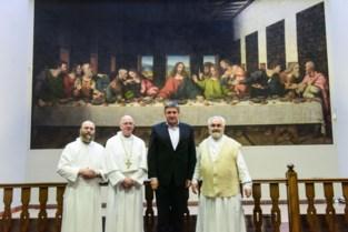 Jan Jambon krijgt stoomcursus Da Vinci in abdij van Tongerlo