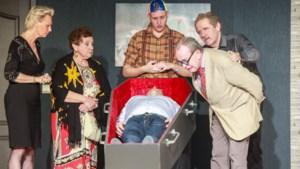 't Lindecoulisken brengt met Horrorscoop een dodelijke komedie